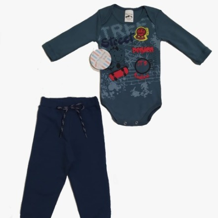Conjunto Body manga longa com estampa skate e calça moletom peluciado com cadarço