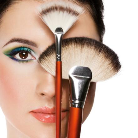 Preparação de Pele + Maquiagem + Designer de Sobrancelha