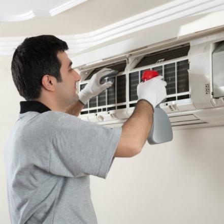 Limpeza e manutenção preventiva de ar-condicionado