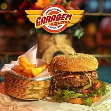 Combo hambúrguer + Fritas + Refrigerante em Lata (mix de folhas, tomate, amburguer fraudinha, creme de queiho, cucurado, cebola, ovo)
